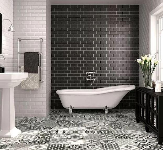 Baño clásico sin accesorios de baño